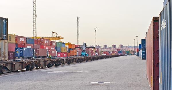 La patronal de empresas ferroviarias privadas AEFP aprecia asimetría de apoyos ministeriales a unos medios de transporte u otros.