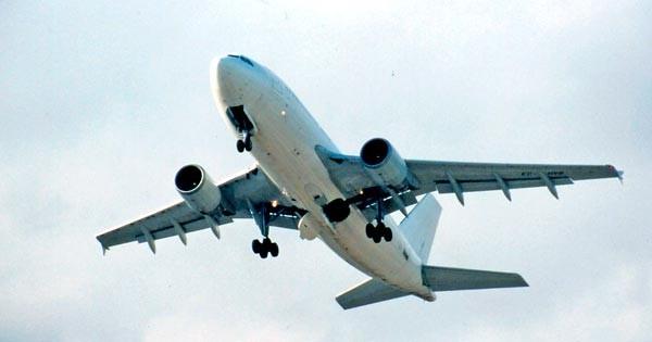 Los servicios postales necesitan del transporte aéreo.