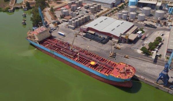 El transporte de derivados de petróleo o de químicos toma posiciones ante la crisis.