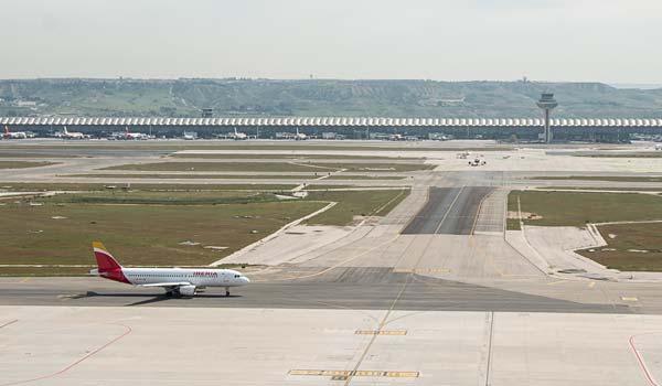 Aena ha rebajado durante la crisis sanitaria los costes de arrendamiento para las empresas vinculadas a la carga aérea.