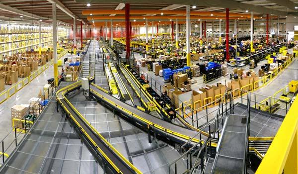 Los volúmenes de entregas domiciliarias de mercancías se han disparado durante la crisis sanitaria.
