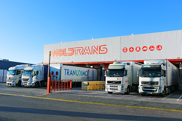 Moldtrans realiza líneas regulares de grupaje terrestre con Italia y Portugal desde Sevilla.