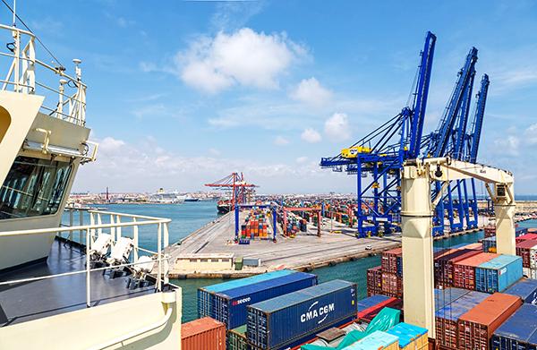 APM Terminals aumentó su producción un 16% en Valencia en 2018.