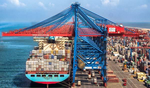 La incertidumbre impacta en el transporte de contenedores.