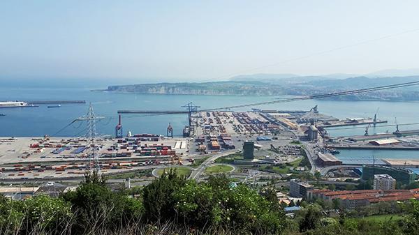 El puerto de Bilbao prepara la ampliación de Cosco