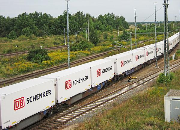 DB Schenker inaugura un servicio completo de logística para las baterías de automoción.