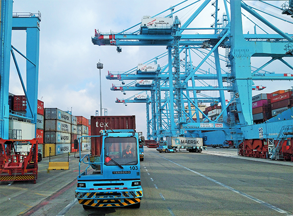 Los puertos españoles frenan la sangría de tráficos
