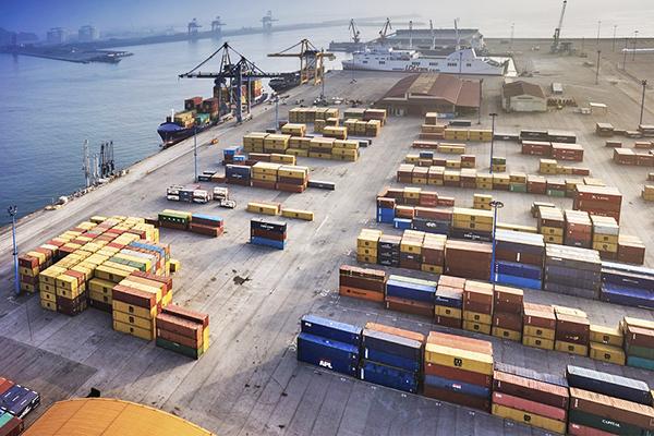 Containerships abre nuevo servicio en el puerto de Gijón