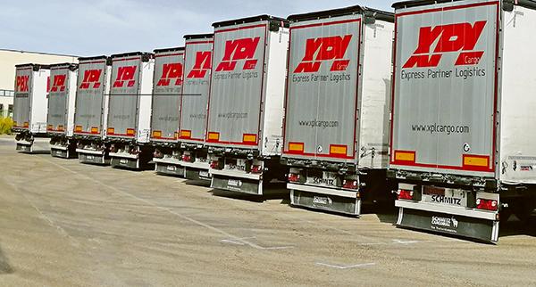 Imagen de algunas de las unidades que componen la flota de XPL Cargo.