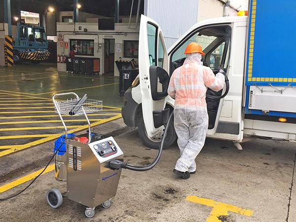La desinfección con ozono de vehículos e instalaciones resulta lo más efectivo.