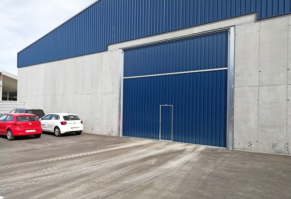 Imagen exterior del almacén que rehabilitará el Consorcio de la Zona Franca de Santander.