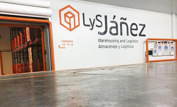 LyS Jáñez y Uniconf repartieron más de 83.000 kilos de dulces en hospitales durante la crisis sanitaria.