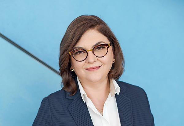 La comisaria Adina Valean confia en el transporte para recuperar la economía.