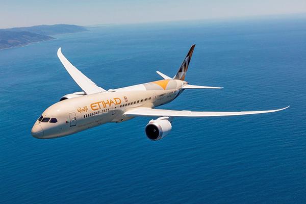 Etihad, una de las aerolíneas que ha transportado carga en aviones de pasajeros.
