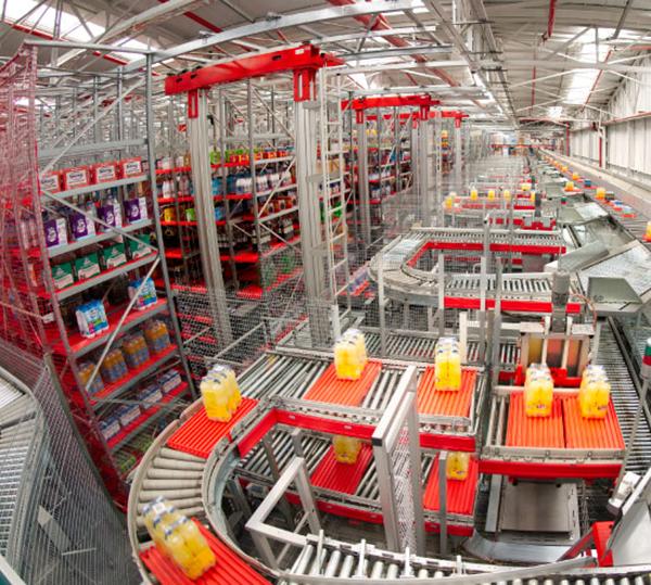 Sistema automatizado de almacén realizado por Ulma Handling Systems.