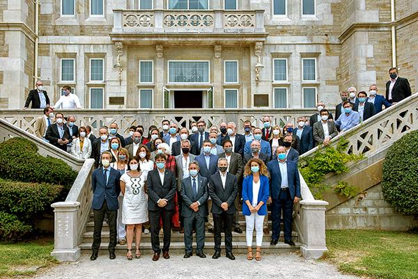 Foto de familia de los directivos de las autoridades portuarias y Puertos del Estado.